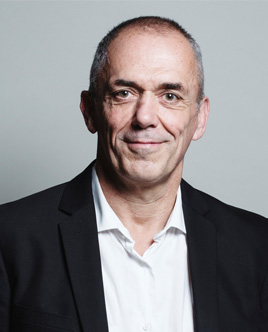 Portrait d'Antoine Petit, président du CNRS